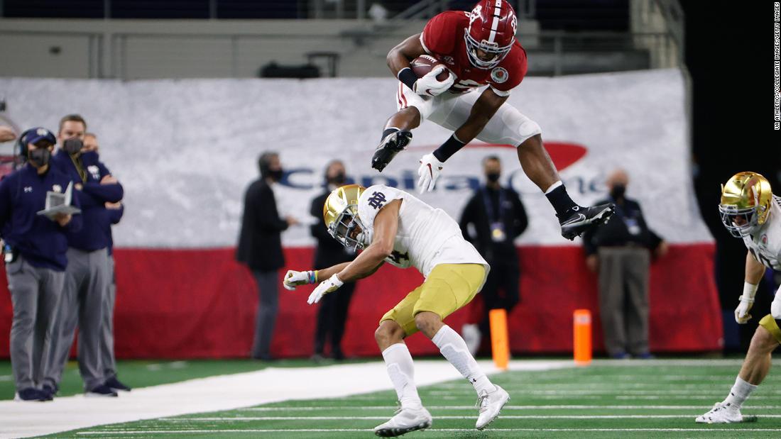 Nagy Harris defeats Notre Dame defender at Rose Bowl after Megan Rapinoe requests him to