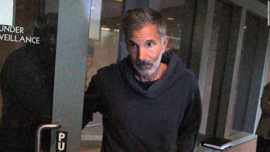 Lori Loughlin's husband requests confinement at home amid COVID-19 concerns