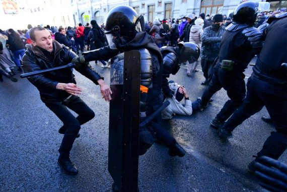 Protests in support of imprisoned opposition leader Navalny swept Russia