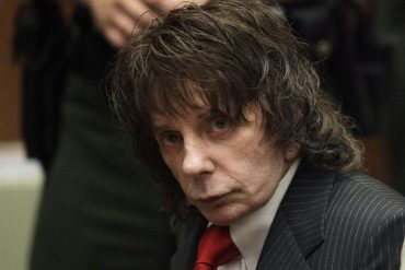 BBC apologizes for title in Phil Spector story