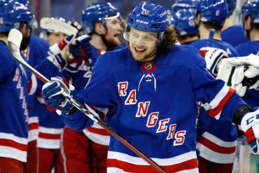 The Rangers retaliate the opening loss with a dominant win over the Islanders