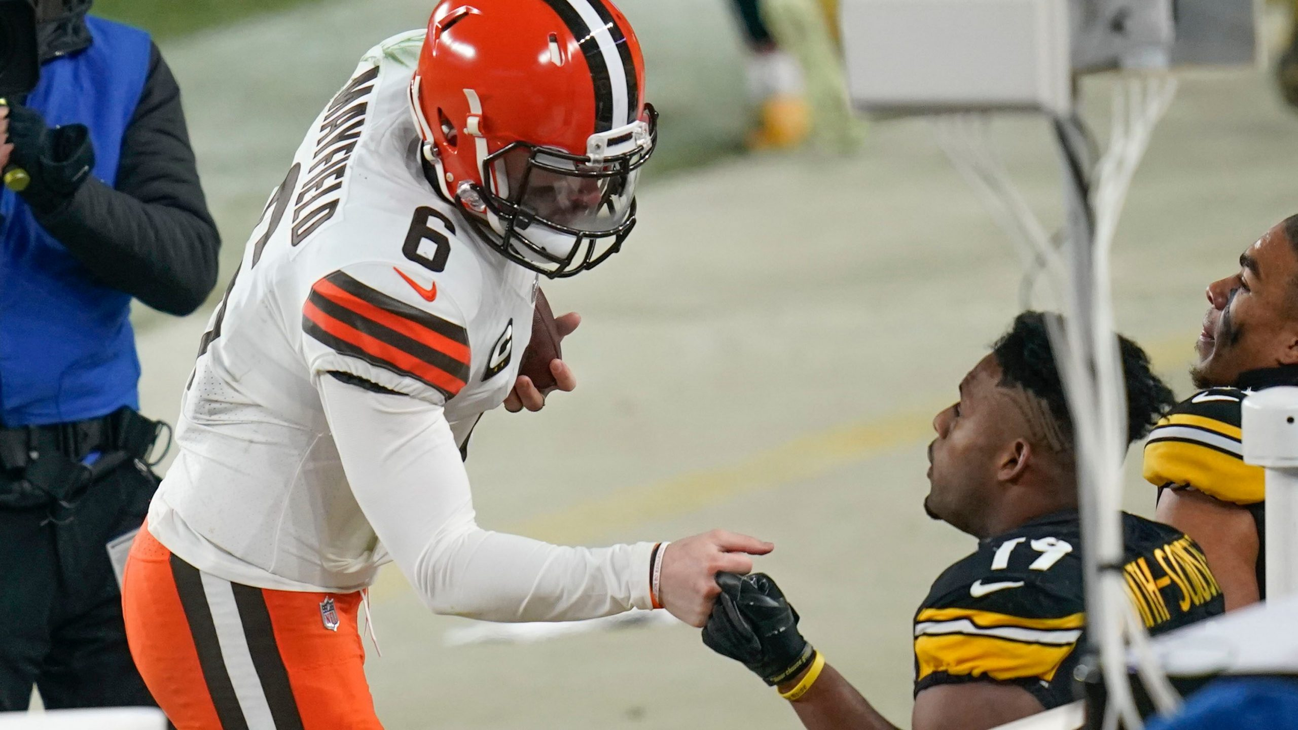 """The Steelers' JuJu Smith-Schuster stands next to the comment """"The Browns is the Browns"""" after losing the wild card"""